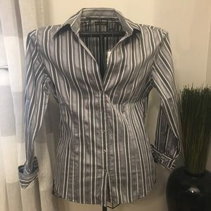 New York & Company Button Down Shirt Size Large